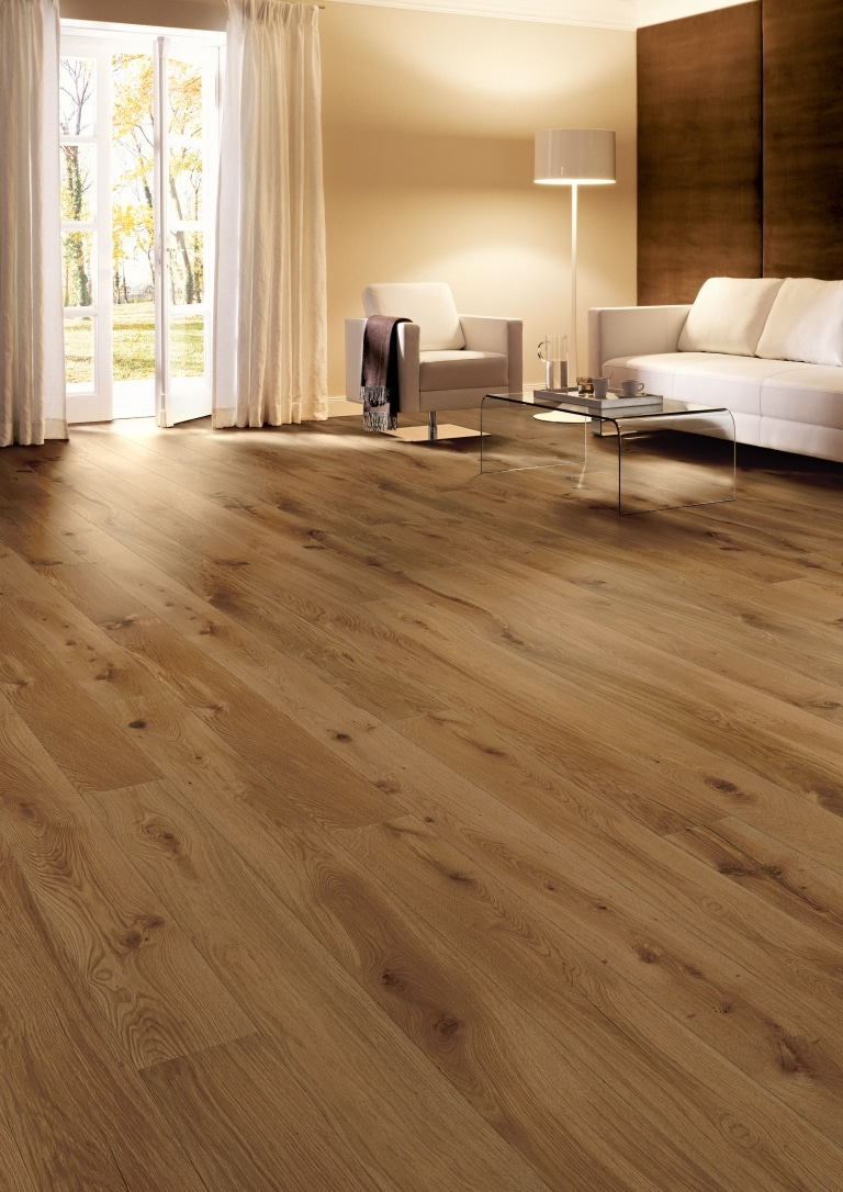 Wohnzimmer Boden aus Eiche Farbe Caramel