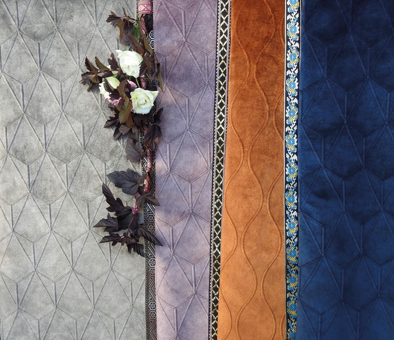 Farb und Musterbeispiele mit Blumen Dekor